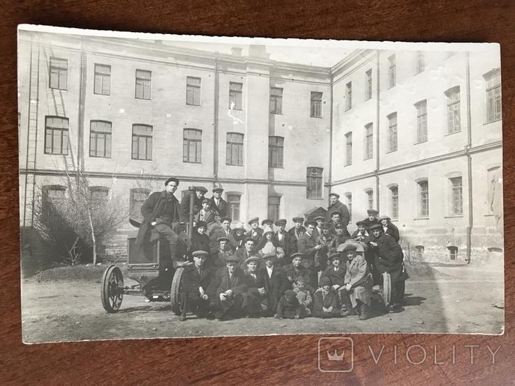 1930 Одесса Выпуск инженеров организаторов территорий Трактор, фото №2