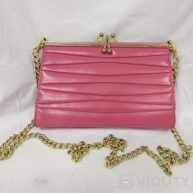 Винтажная розовая сумочка с длинной ручкой цепочкой. Можно носить как клатч. 24х17х4,5см, фото №2