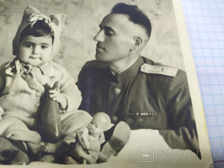 Семейное фото в военным. 135х87мм, фото №3