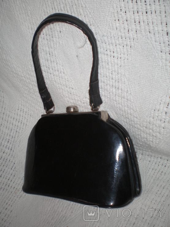 Маленька чорна лакова театральна сумочка, фото №5