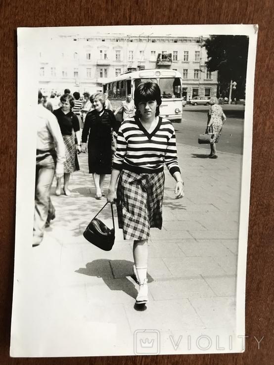 1984 Одесса Троллейбус Девушка с сумкой, фото №2