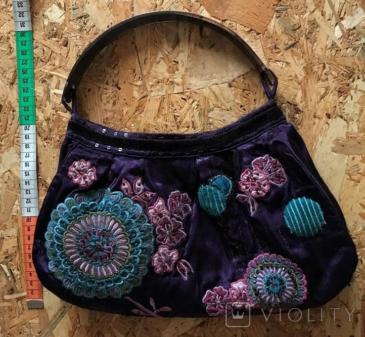 Сумочка Accessorize ткань вышивка стразы широкая пластиковая ручка, фото №2