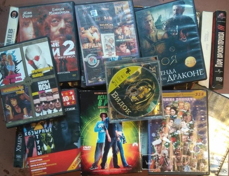 38 видеокассет+9двд дисков исторические и др.фильмы., фото №5