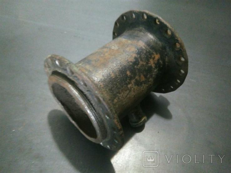 Ступица колеса от старинного мотоцикла с латунной масленкой, фото №4