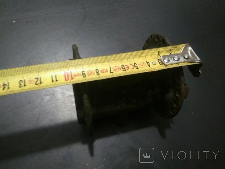 Ступица колеса от старинного мотоцикла с латунной масленкой, фото №7