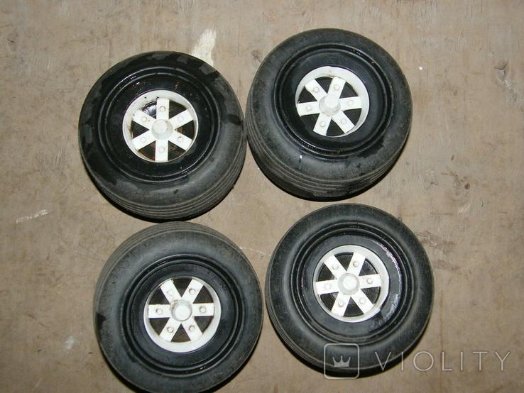Четыре колеса от какой то детской техники., фото №3