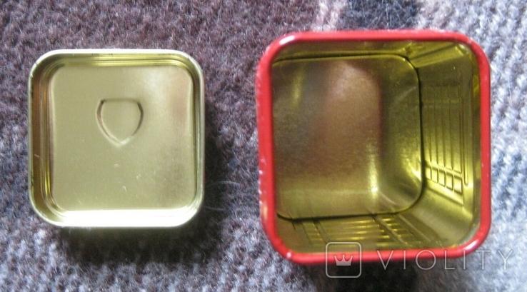 Жестяная коробка из-под чая в виде англ. телефонной будки, фото №4