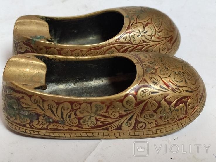 Пара восточной обуви - пепельницы, фото №3