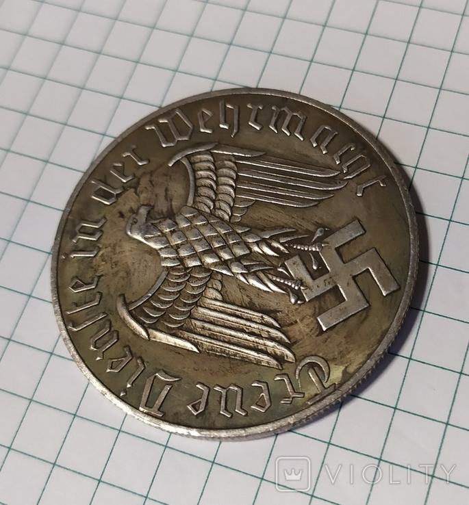 12 лет в Вермахте.копия в медном сплаве покрыта серебром., фото №4