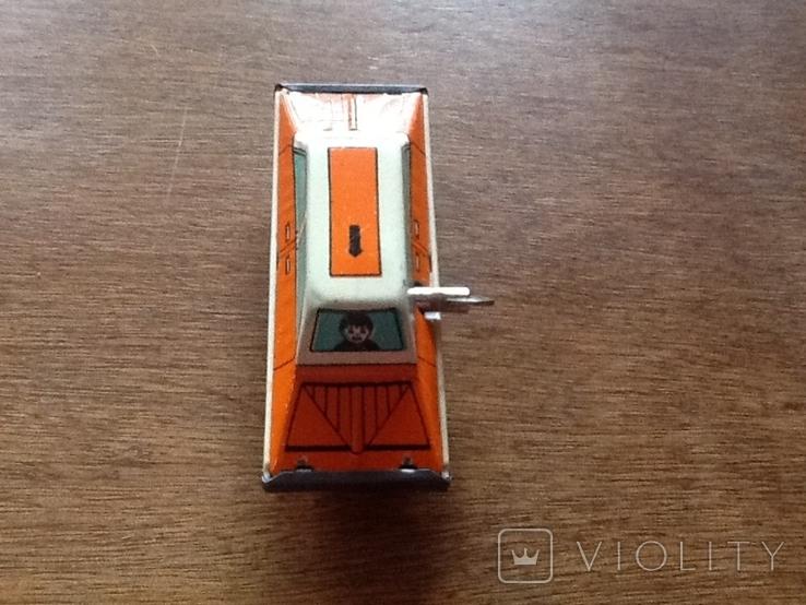 Гоночная заводная трековая машинка, фото №5