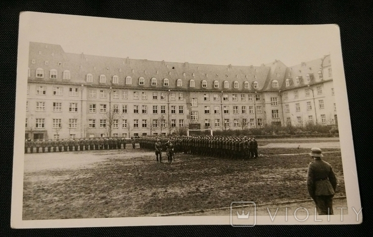 Вермахт. Построение на плацу, фото №2