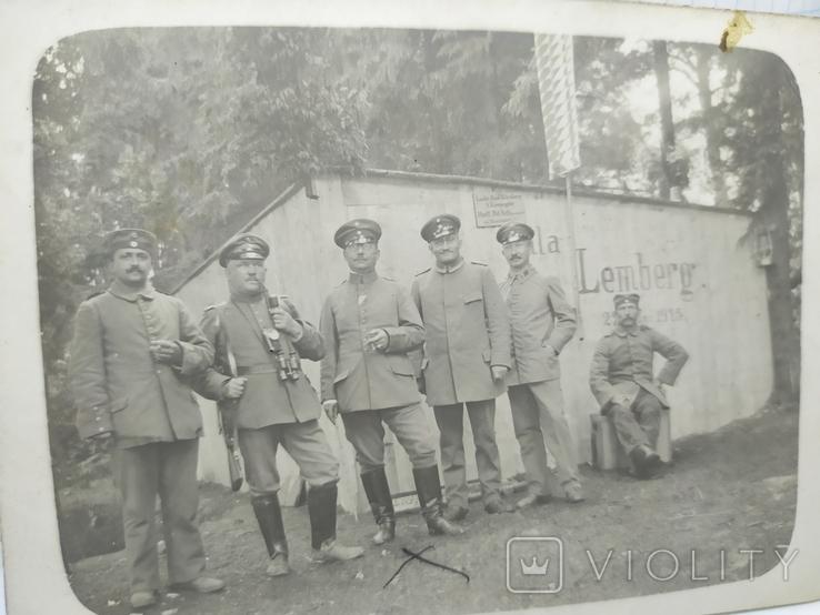 Фото военных Германии на фоне домика с надписью Zemberg (Львов), фото №3