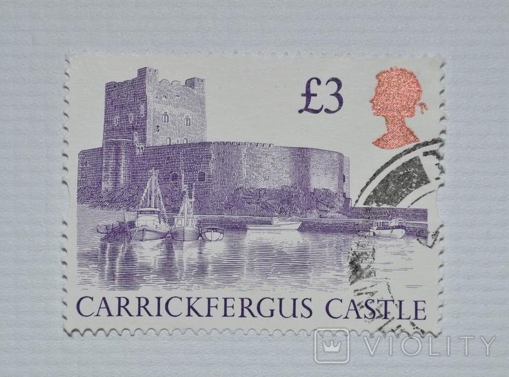 Почтовая марка Великобритания Замок (Queen Elizabeth II - High Value Castles - Decimal)., фото №2