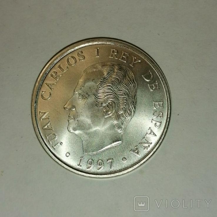 Серебряная монета. Испания,1997 450 лет со дня рождения Мигеля Сервантеса, фото №2