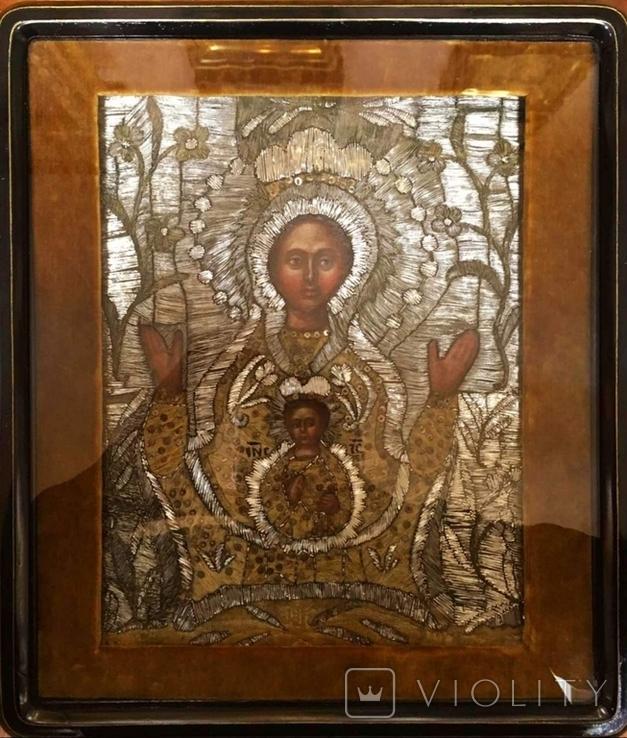 """Икона шитая """"Богородица Знамение"""" в киоте 27 на 20, фото №2"""