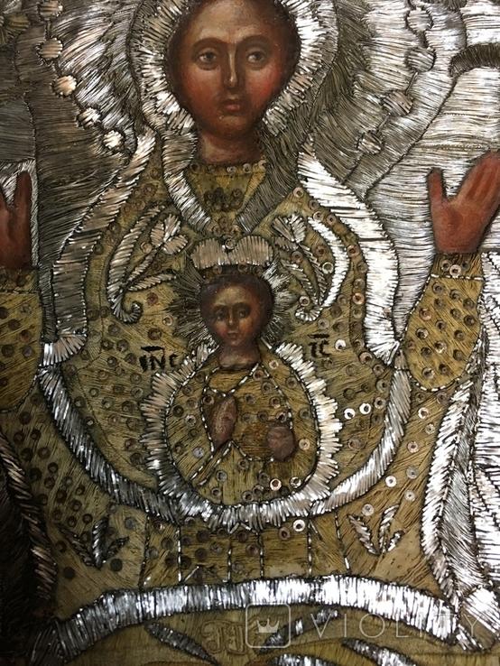 """Икона шитая """"Богородица Знамение"""" в киоте 27 на 20, фото №4"""