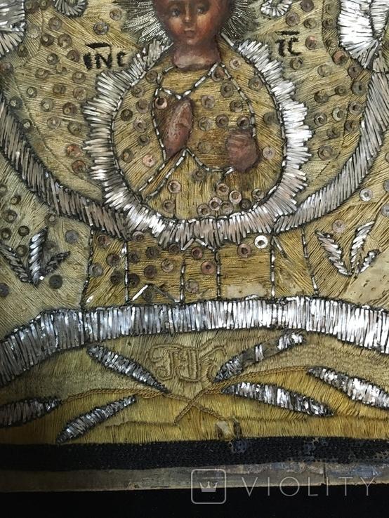 """Икона шитая """"Богородица Знамение"""" в киоте 27 на 20, фото №5"""