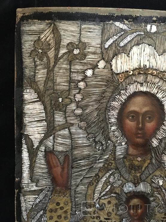 """Икона шитая """"Богородица Знамение"""" в киоте 27 на 20, фото №10"""