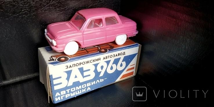 Машинка 1:43 Запорожец ЗАЗ 968 или 966 модель, фото №3