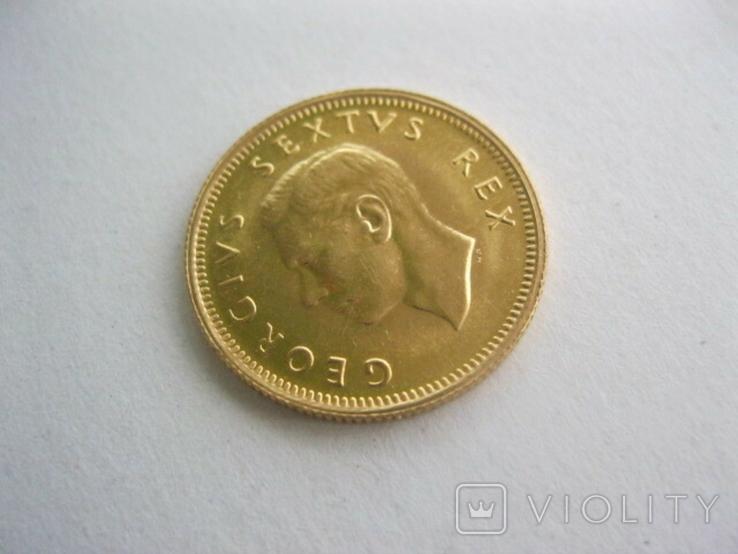 Одна вторая фунта(пол соверена) 1952 год Южная Африка Георг V, фото №3