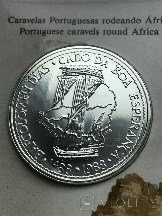 100 эскудо 1988 Португалия серебро Золотой век открытий - Бартоломеу Диаш, фото №2