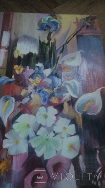 Цветы на фоне окна абстракция, фото №5