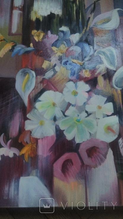 Цветы на фоне окна абстракция, фото №7