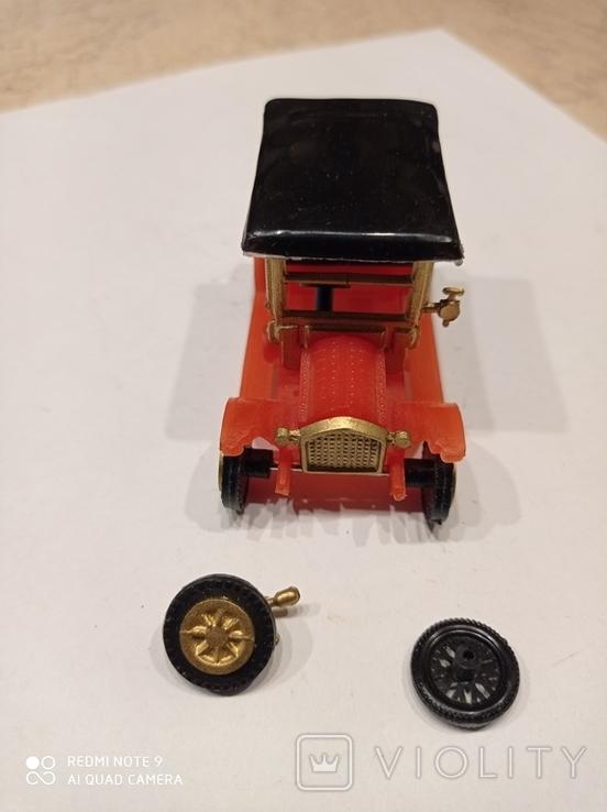 Маленькая пластмассовая машинка., фото №3