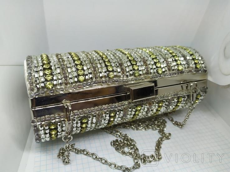Вечерняя каркасная сумочка-клатч расшитая камнями, бисером и бусинами. Новая, фото №5