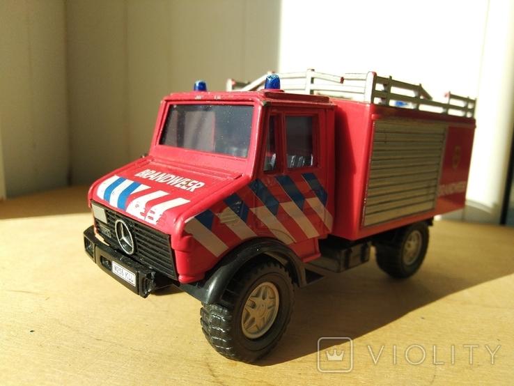 Unimog 437.1 пожарная 1:50 Hongwell Cararama, фото №2