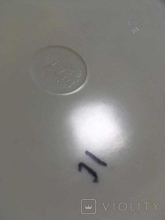 Настенная пластмассовая тарелка с изображением дамы, фото №5