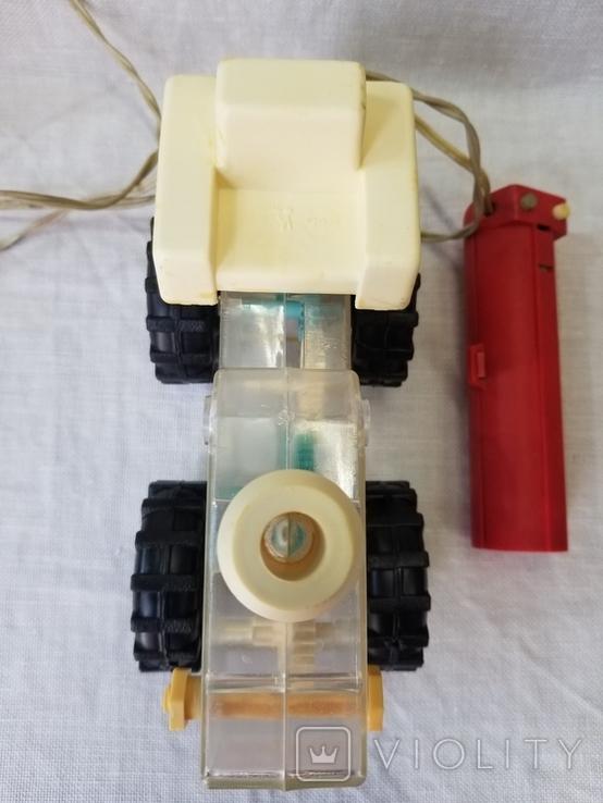 Трактор на управлении, фото №5