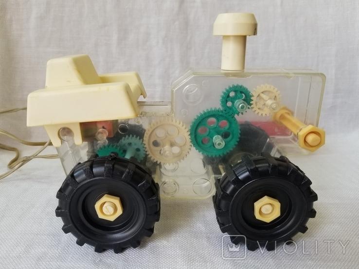 Трактор на управлении, фото №6