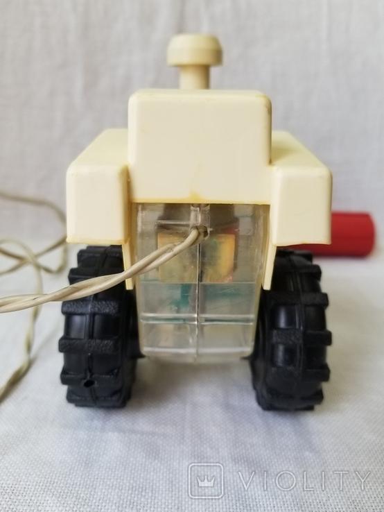 Трактор на управлении, фото №7
