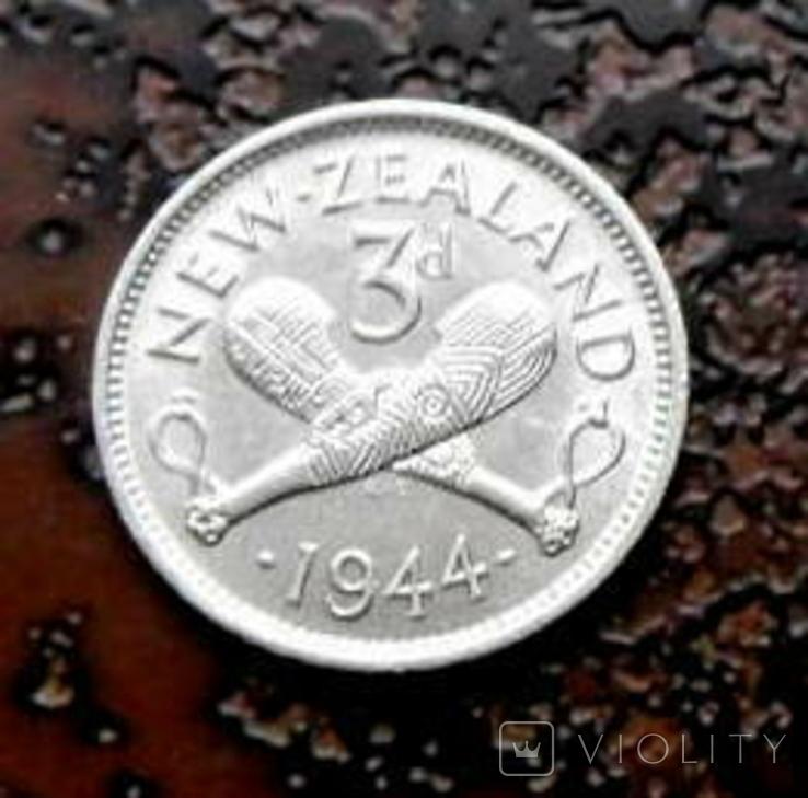 3 пенса Новая Зеландия 1944 состояние серебро, фото №3
