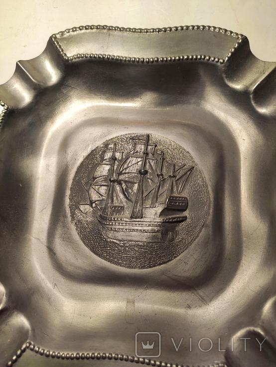 Большая массивная оловянная пепельница. Германия. 20 см -корабль, фото №4