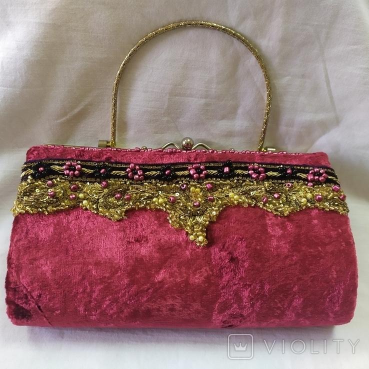 Винтажная бархатная сумочка с вышивкой и металлической ручкой, фото №2