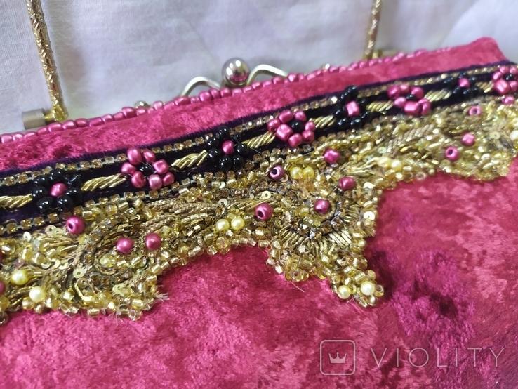 Винтажная бархатная сумочка с вышивкой и металлической ручкой, фото №4