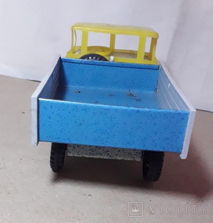 Машинка грузовая МАЗ жесть + пластмасс, 70-е гг. СССР длина 19 см., фото №5