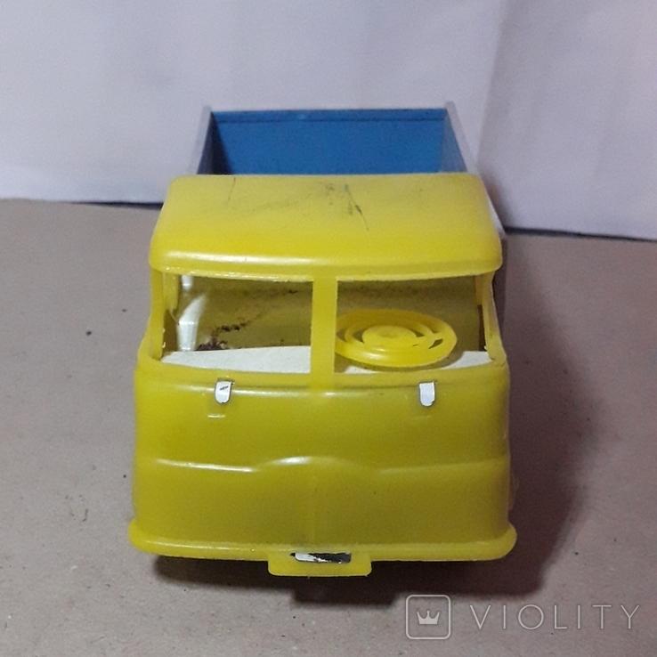 Машинка грузовая МАЗ жесть + пластмасс, 70-е гг. СССР длина 19 см., фото №6
