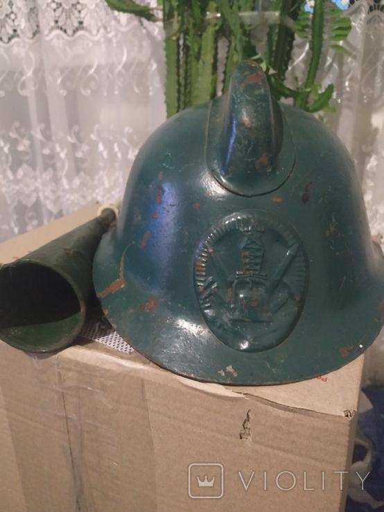 Шлем пожарника и гудок, фото №2