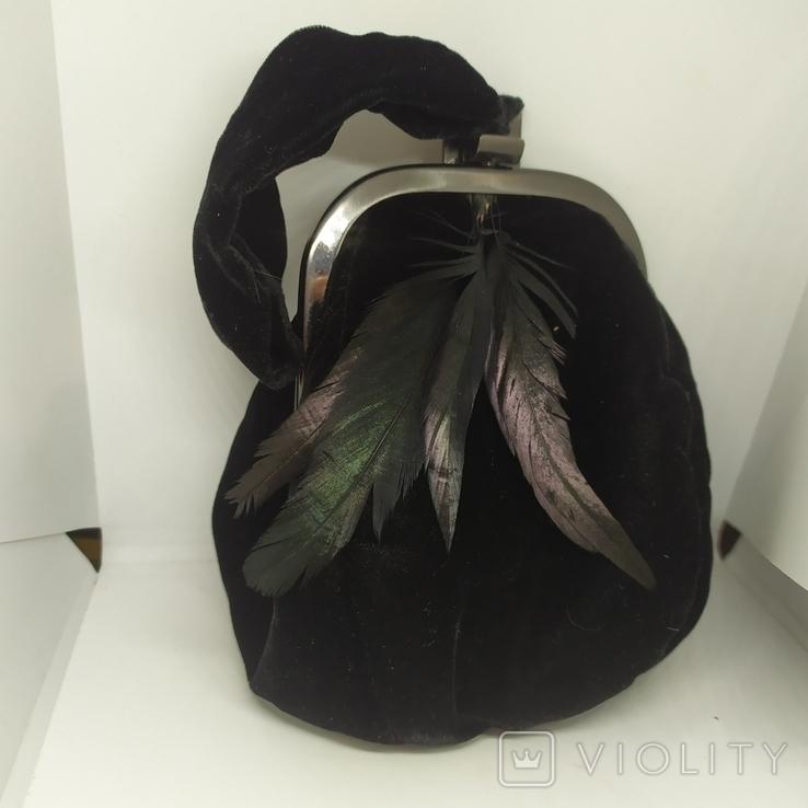 Вечерняя бархатная сумочка с перьями. Высота без ручки 18см. Ширина 12см, фото №2