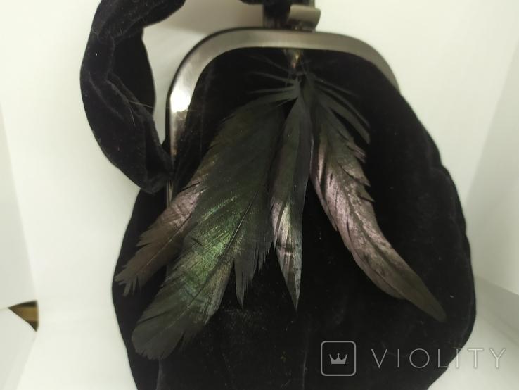 Вечерняя бархатная сумочка с перьями. Высота без ручки 18см. Ширина 12см, фото №3