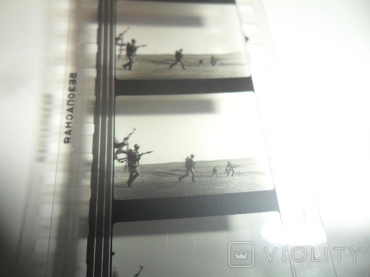 Кинопленка 35 мм военные автомат, фото №7