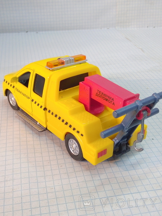 Маленькая моделька эвакуатор, фото №3