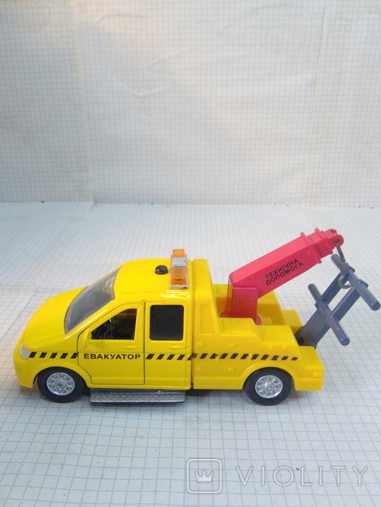 Маленькая моделька эвакуатор, фото №9