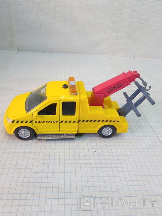Маленькая моделька эвакуатор, фото №2