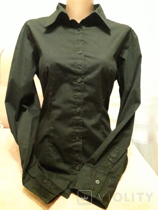 Женская чёрная рубашка CL Essentials. Пуговицы с гравировкой. Вышивка на рукаве, фото №2