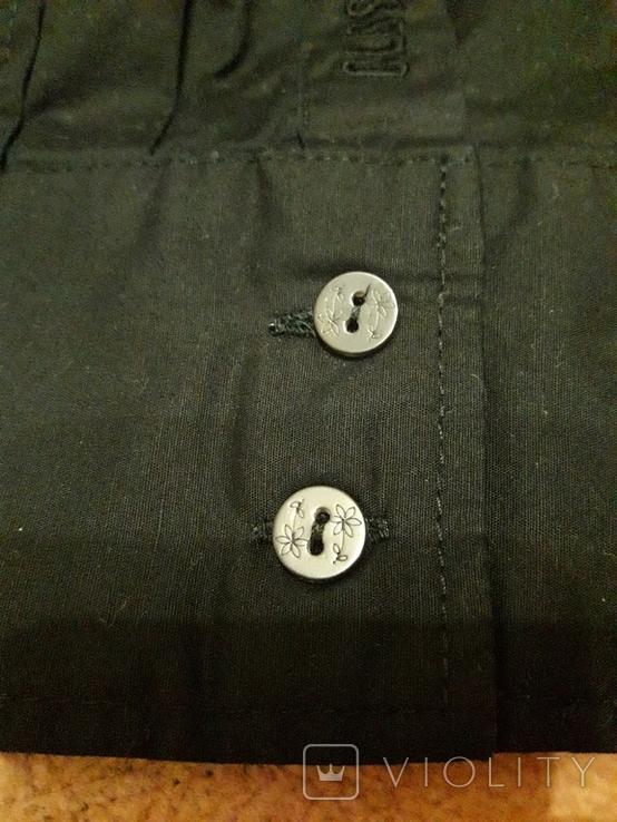 Женская чёрная рубашка CL Essentials. Пуговицы с гравировкой. Вышивка на рукаве, фото №4