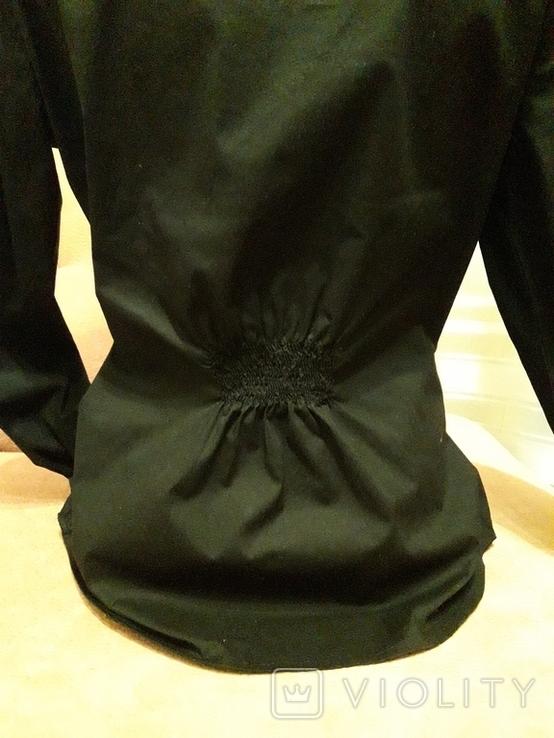 Женская чёрная рубашка CL Essentials. Пуговицы с гравировкой. Вышивка на рукаве, фото №6